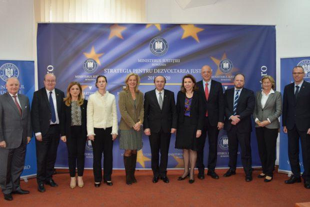 Ministrul Justiției, întâlnire cu zece diplomați străini. Foto: Ministerul Justiției