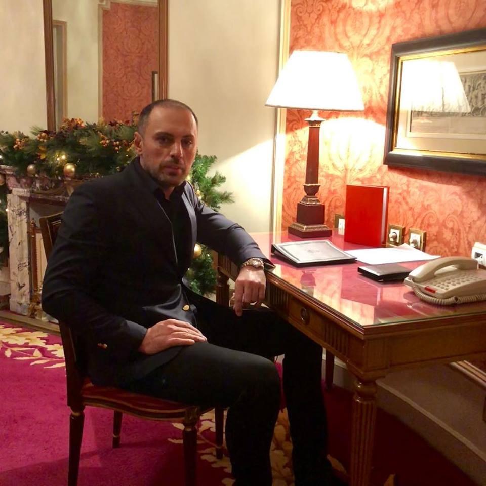 """EXCLUSIV/ Gest de neînțeles al unui celebru burlac autohton. Alexandru Francu s-a """"închis"""" în cel mai tare hotel din Madrid"""