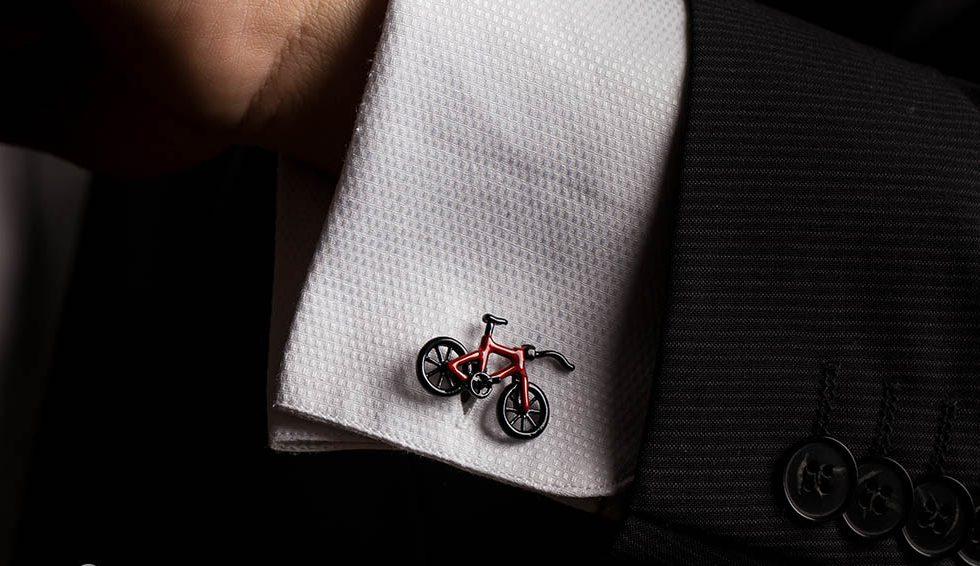 cadouri de Valentine's Day pentru el. Butoni de camasa ]n formă de bicicletă pentru Valentine's Day