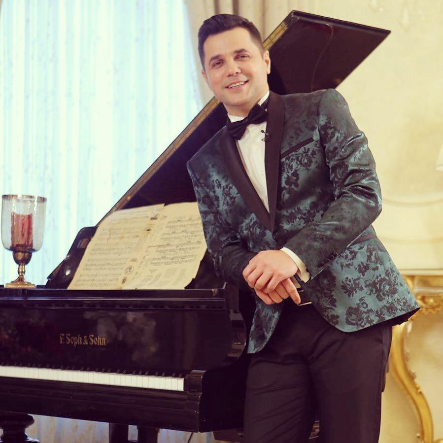 VIDEO EXCLUSIV/ Gabriel Coveșeanu cântă! Pe la chefuri și nunți!