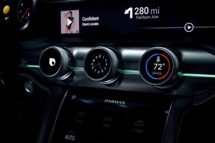 Samsung intră în industria auto. Gigantul a prezentat împreună cu Harman un Cockpit Digital și o platformă pentru mașinile autonome. Sistem de bord Harman