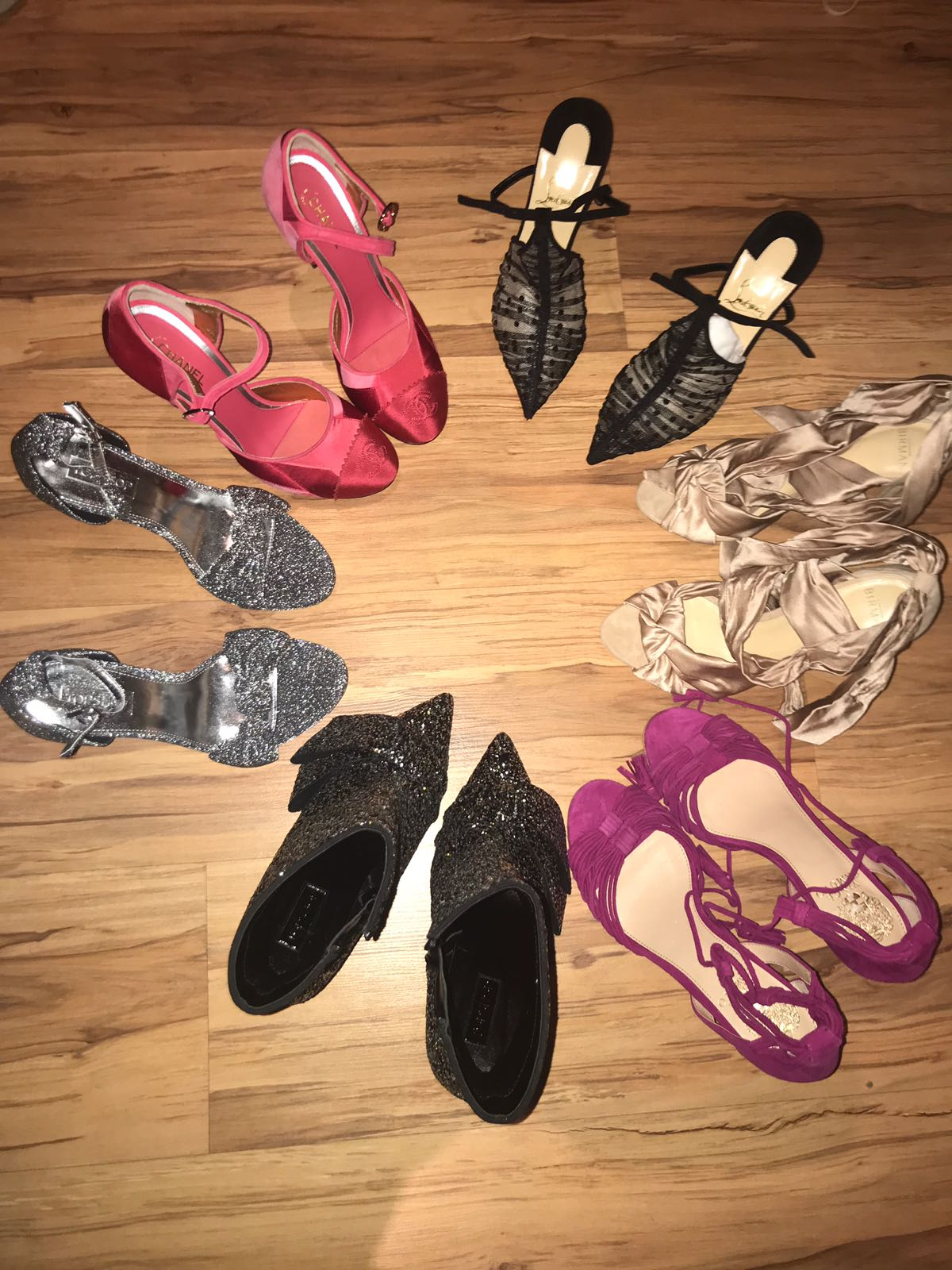 FOTO EXCLUSIV/ Are sute perechi, dar nu se poate opri. Cristina Dorobanțu și-a cumpărat din America... niște pantofi