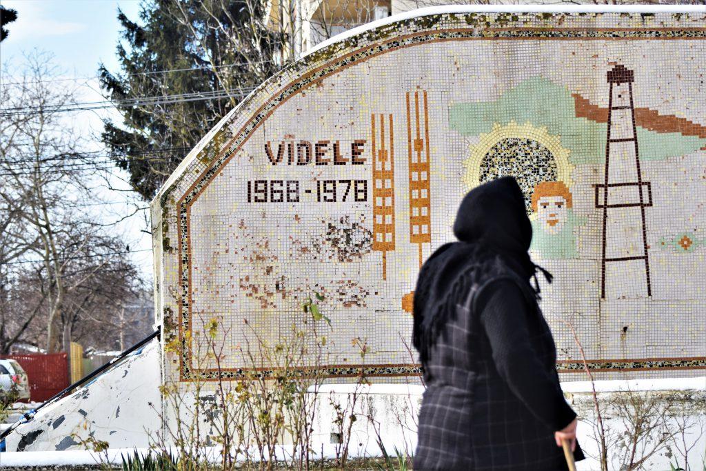 """VIDEO-REPORTAJ / Cum s-a văzut învestirea guvernului din Videle, capitala miniștrilor. """"Doamna Dăncilă are toate tablele pe casă, dar să nu fie manipulată"""""""