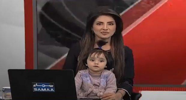 Motivul emoționant pentru care o prezentatoare TV a intrat în direct alături de fiica ei