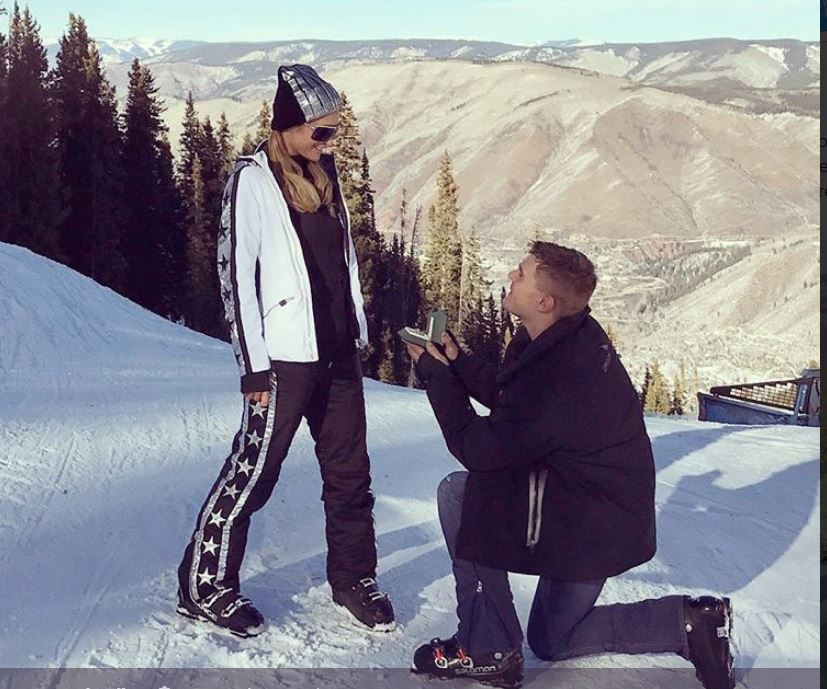 Paris Hilton s-a logodit cu iubitul ei, actorul Chris Zylka
