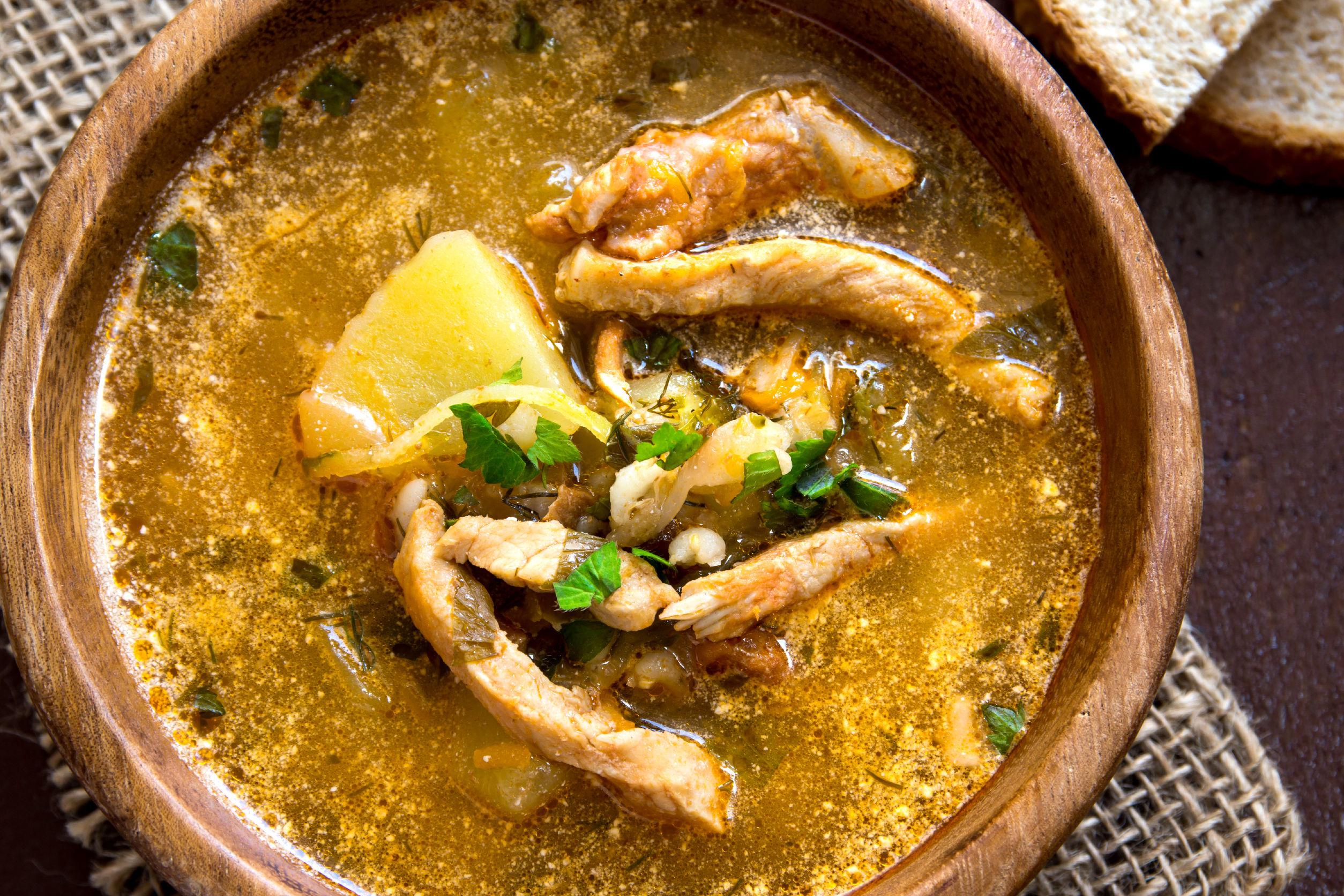 supa de porc cu cartofi