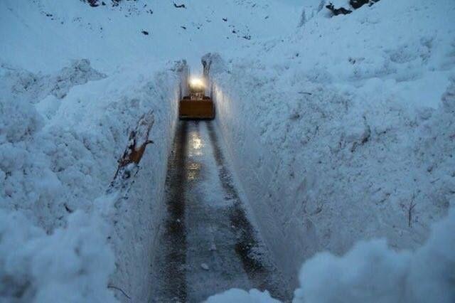 Imagini spectaculoase în Alpi cu ziduri de zăpadă de peste 7 metri