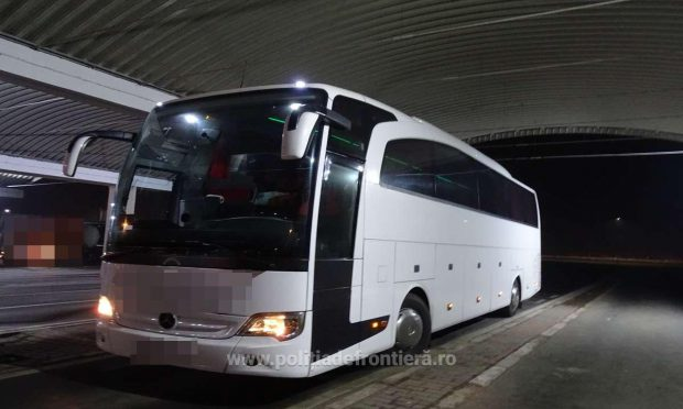 Mijlocul de transport preferat al bișnițarilor sunt autocarele care fac curse regulate România-Turcia