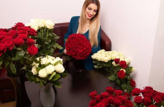cadouri de dragobete. flori in dar de dragobete pentru ea