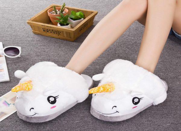cadouri de dragobete. papuci cu unicorn pentru iubita ta