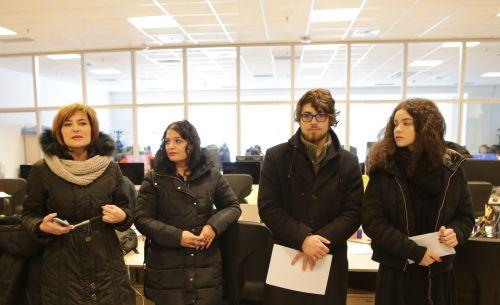 Maruca Băiaşu, Manuel Nicolae, Roxana Drăgan și medicul Erna Stoian în redacția Libertatea