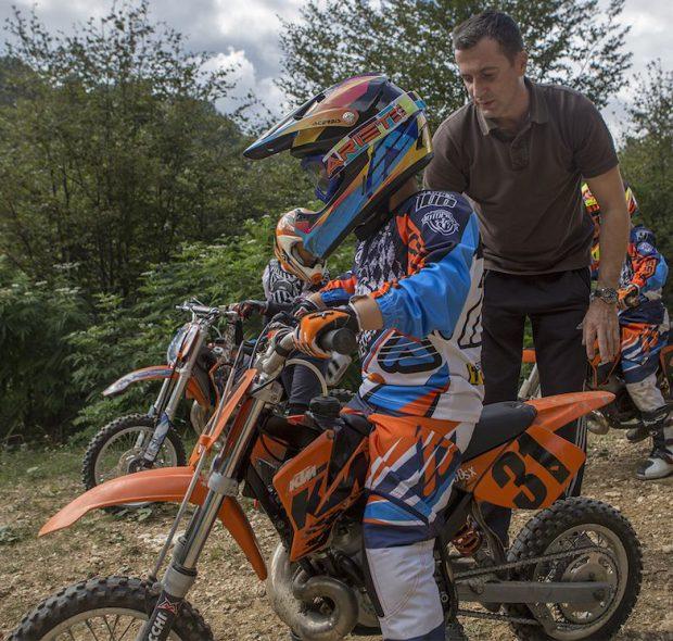 Codrut Keghes si fiul lui Stefan la motocross