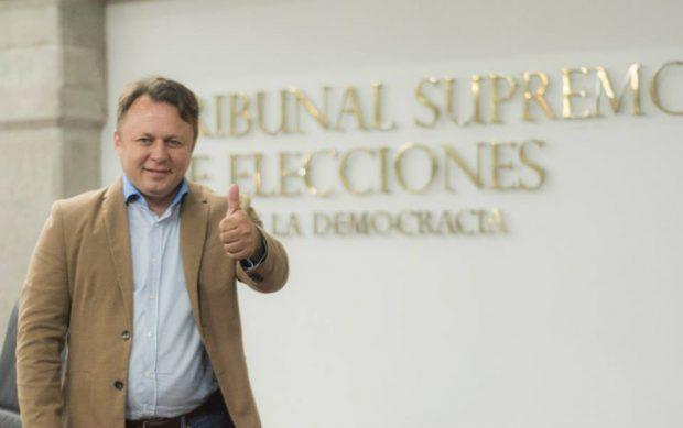 """Dragoș Dolănescu se laudă că a devenit un politician apreciat în Costa Rica. """"Poporul mă apreciază, oamenii au încredere în mine. Am fost votat al treilea"""""""