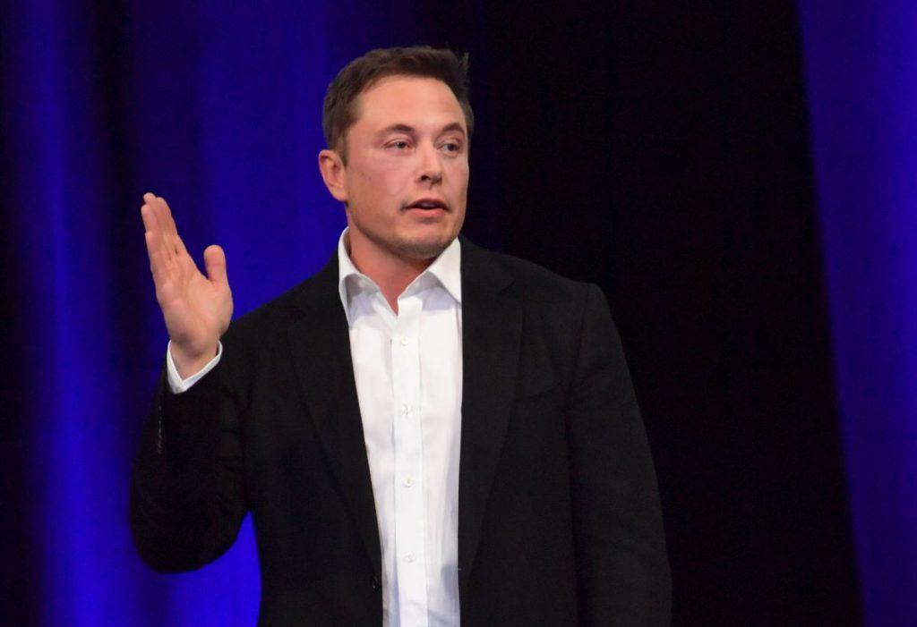 PORTRET| Cine este Elon Musk, miliardarul care a lansat în spațiu cea mai puternică rachetă