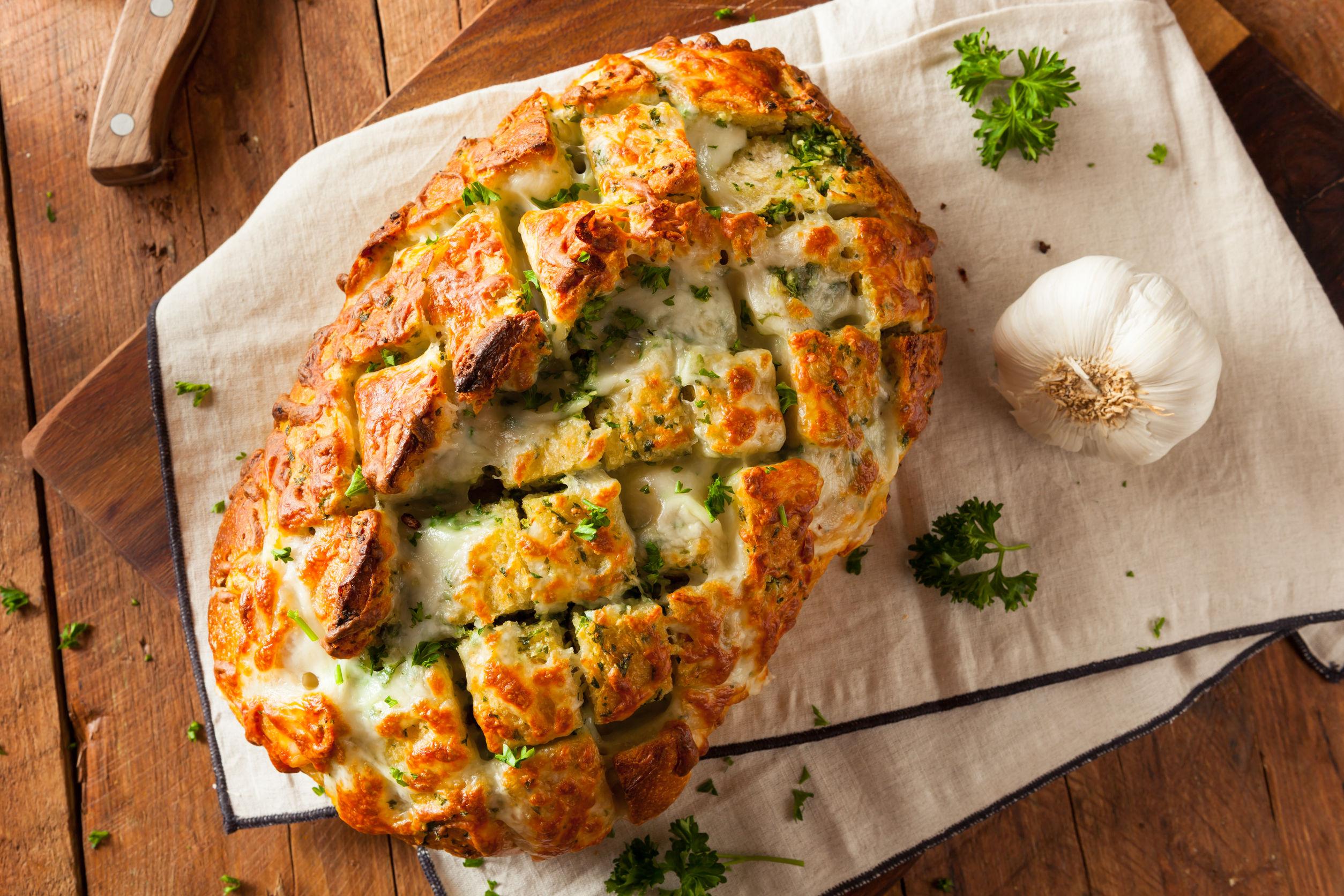 paine cu usturoi