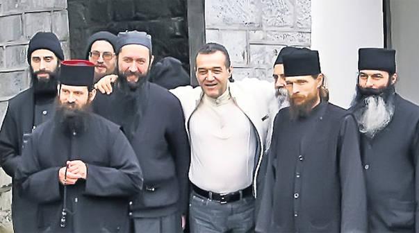 Câți bani a donat Gigi Becali călugărilor de la Muntele Athos. Suma este fabuloasă