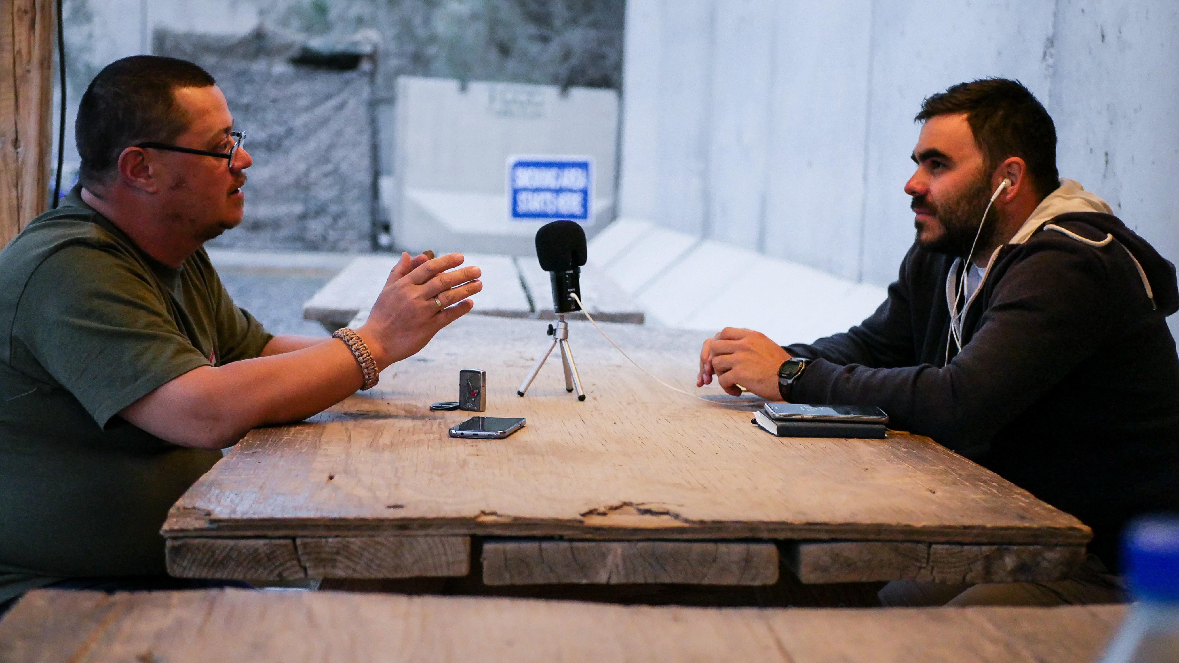 """INTERVIU/Mario Balint, jurnalistul cu 52 de luni în zone de conflict: """"S-a tras asupra mașinii noastre. Eram în direct la radio"""""""