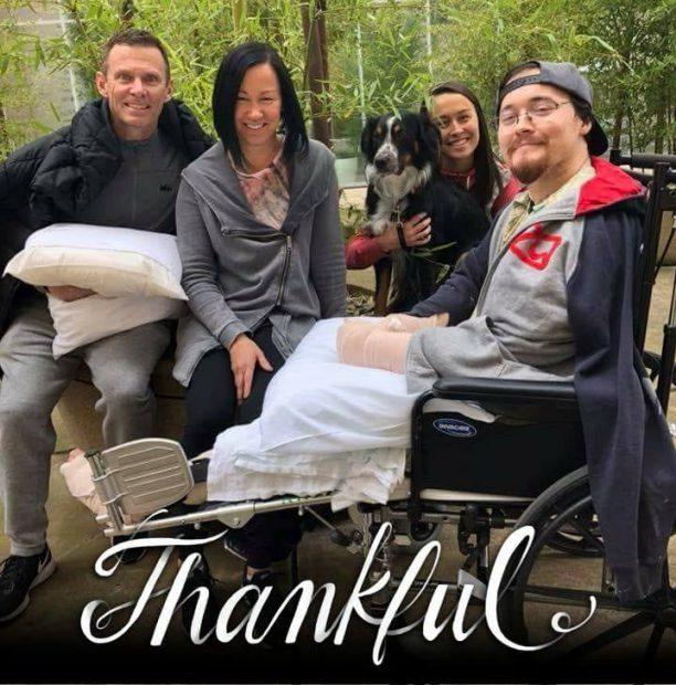 Alex Lovell pe drumul spre recuperare (foto Facebook)