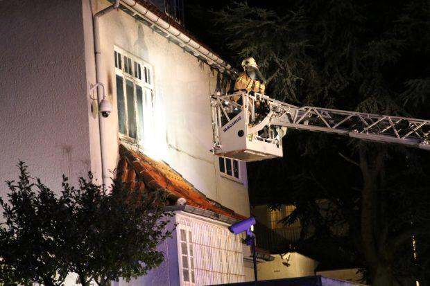 FOTO | Ambasada Turciei la Copenhaga, atacată cu cocktailuri Molotov