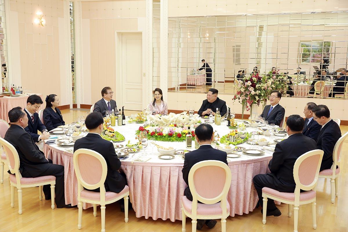 """Kim Jong-Un vrea relații """"mai strânse"""" cu Seulul"""