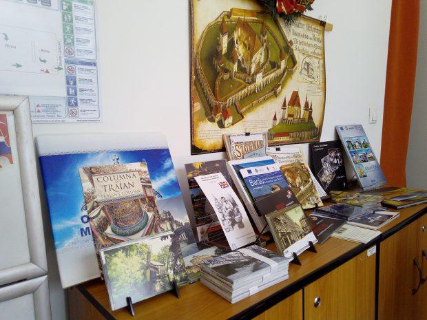 centrul de informare turistică de pe strada Lipscani e la un pas de a fi închis