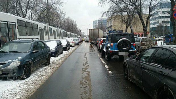 pipera trafic blocat