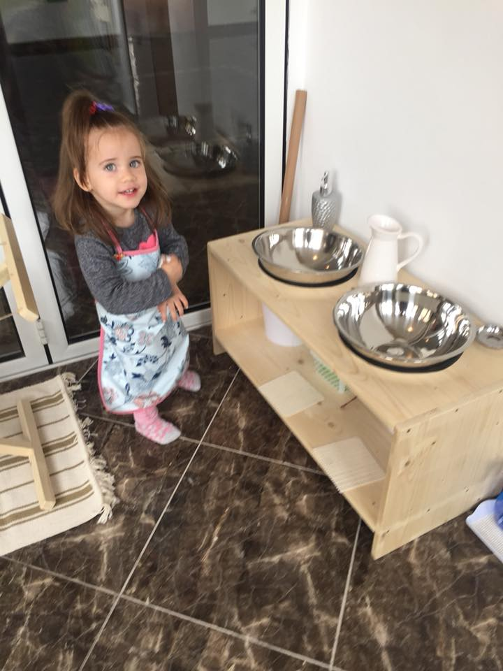 Sânziana Buruiană, declarații despre faptul că-și alătează fiica și la peste doi ani. Ce spune blonda despre această situație