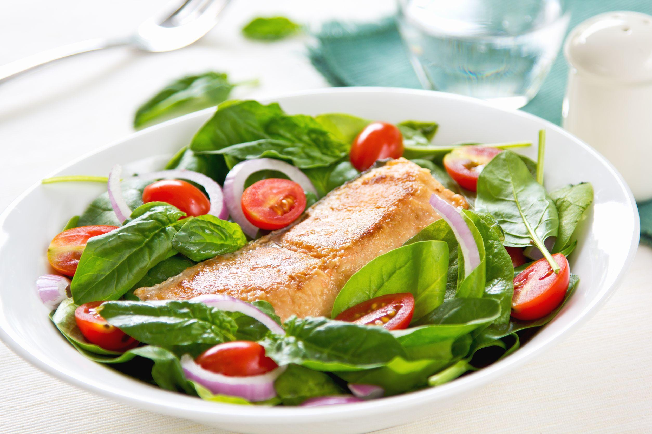 somon cu salată