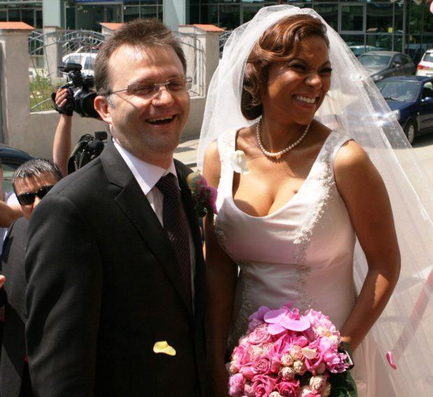 Nadine mireasa, Nadine nuntă