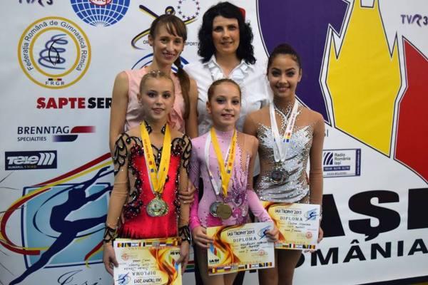 """Cine este Cesima Nechifor, tânăra care a făcut senzație la """"Românii au talent!"""". O accidentare gravă i-a ruinat cariera promițătoare de gimnastă"""