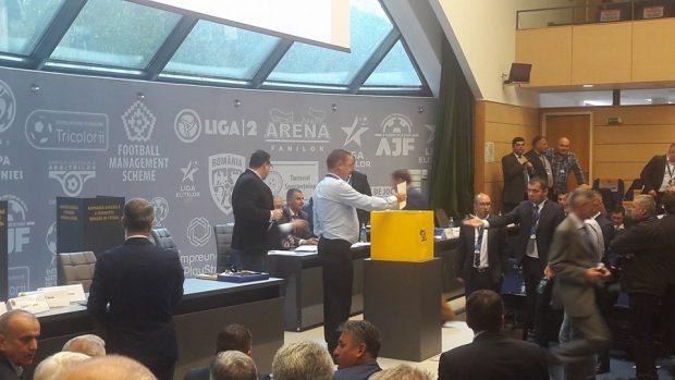 LIVEBLOG Alegerile pentru șefia FRF 2018. Răzvan Burleanu, președinte. A învins Generația de Aur și PSD! | FOTO&VIDEO