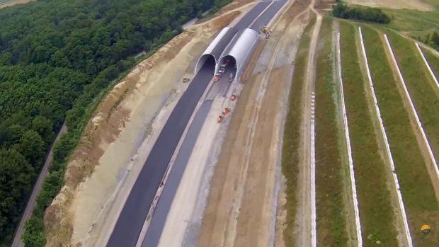 Ministrul Transporturilor, nemulţumit de o parte a lucrărilor de pe autostrada Lugoj-Deva. Constructorul lotului 3 a adunat penalizări de 1,5 milioane de euro