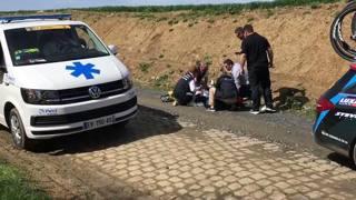 Ciclistul belgian Michael Goolaerts a făcut infarct în timpul cursei Paris - Roubaix