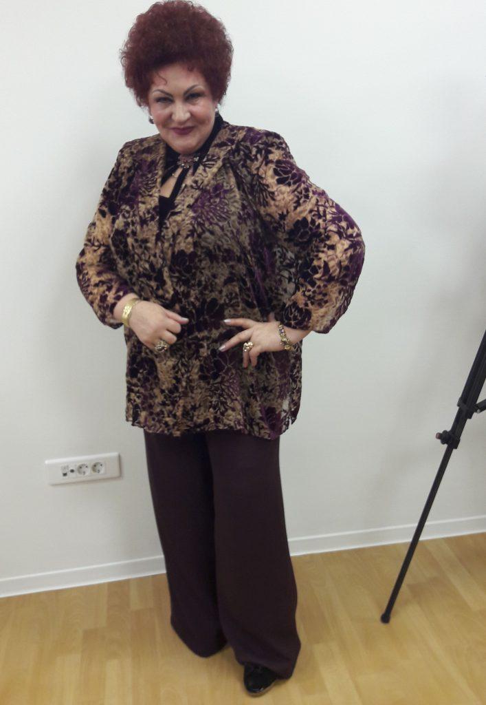 """EXCLUSIV/ După ce menajera i-a furat un sfert de kg de aur, Elena Merisoreanu își ține bijuteriile în seif. """"Le vezi rugându-se și nu știi de ce sunt în stare!"""""""