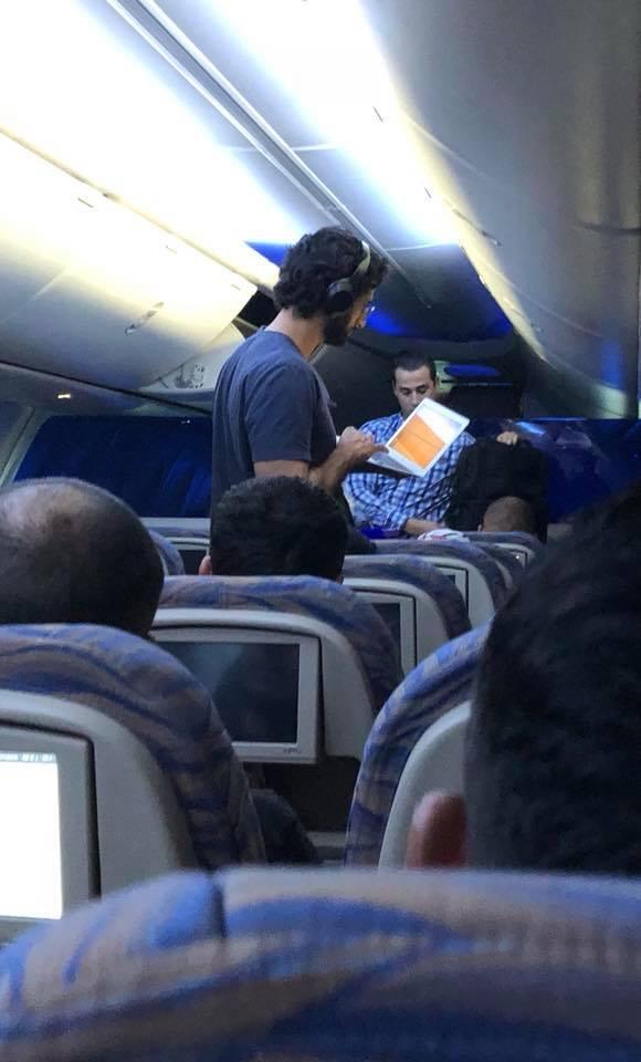 """Sperietura pe care a tras-o Codin Maticiuc în avion. """"Părea genu' care poate să preia el comanda avionului din tastele alea"""""""