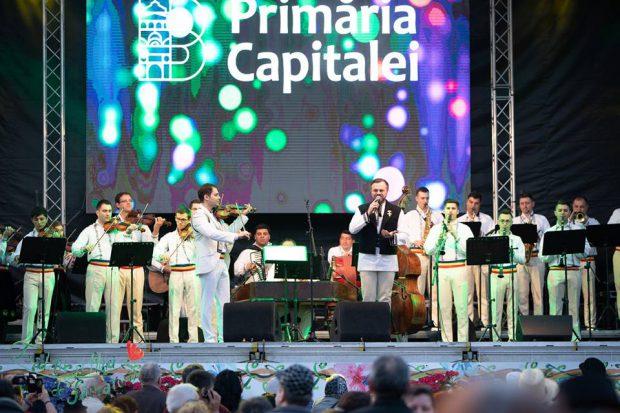 Primăria Capitalei și-a angajat orchestră. Ei au cântat pe scena din Parcul Herăstrău