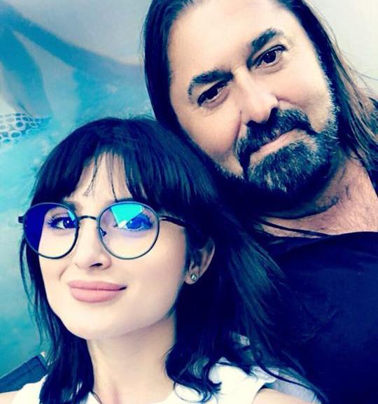 "EXCLUSIV/ Andra, fiica americancă a lui Gheorghe Gheorghiu: ""Tata e prietenul meu. Mergem împreună la petreceri"""