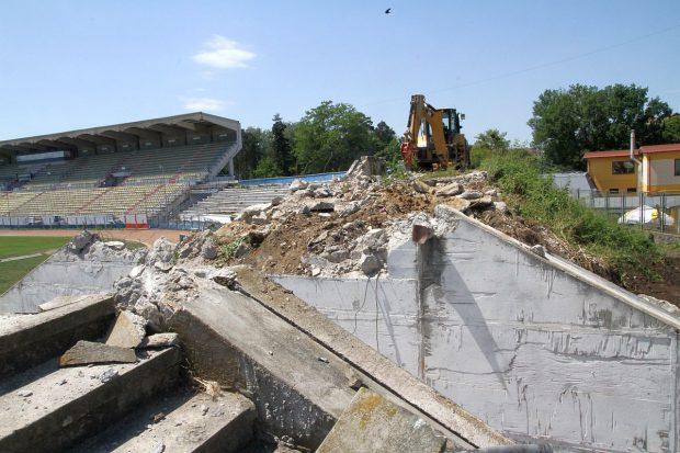 A început demolarea stadionului din Sibiu. Ardelenii își fac o arenă de 17 milioane de euro