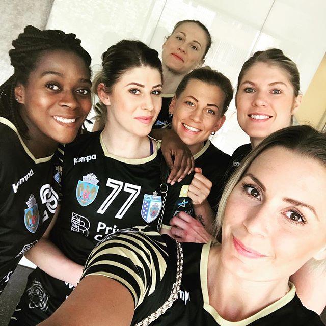 CSM București a fost o echipă doar la petreceri. Gullden nu are niciun selfie cu Neagu / GALERIE FOTO
