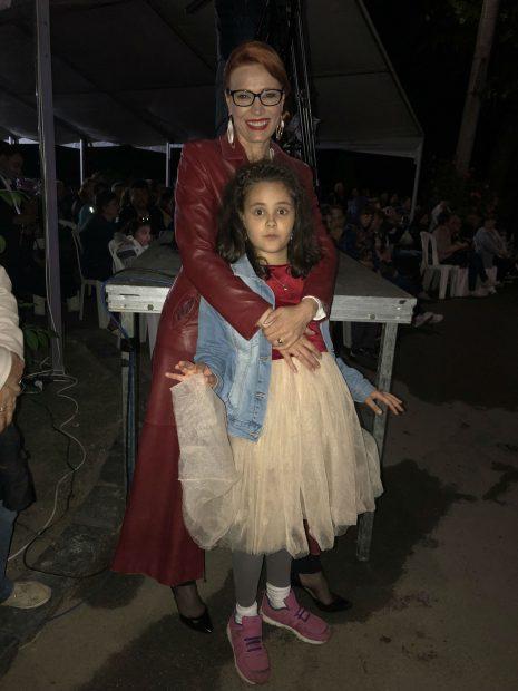 Actrița Monica Davidescu și fetița sa, Dora