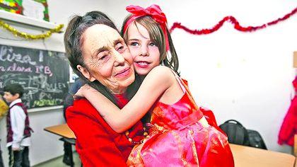 Adriana Iliescu, despre surpriza pe care au avut-o medicii la operația de cezariană. Dezvăluirile celei mai bătrâne mame din România