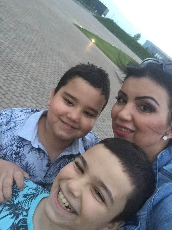 Replica Adrianei Bahmuțeanu când i s-a spus cu cine seamănă băieții ei. Vedeta a reacționat imediat