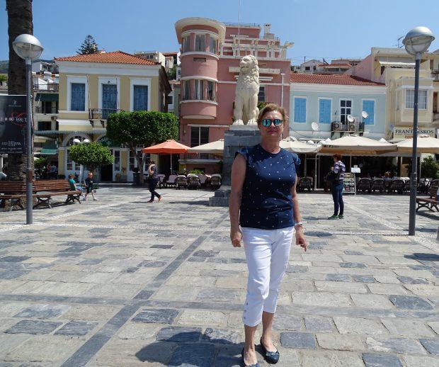 Carmen Kondily are grijă de sănătatea grecilor de pe insula Samos