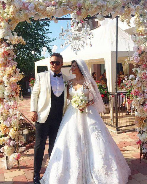 """Claudia Pătrășcanu și soțul ei aniversează doi ani de căsătorie. """"Nu a fost ușor deloc"""""""