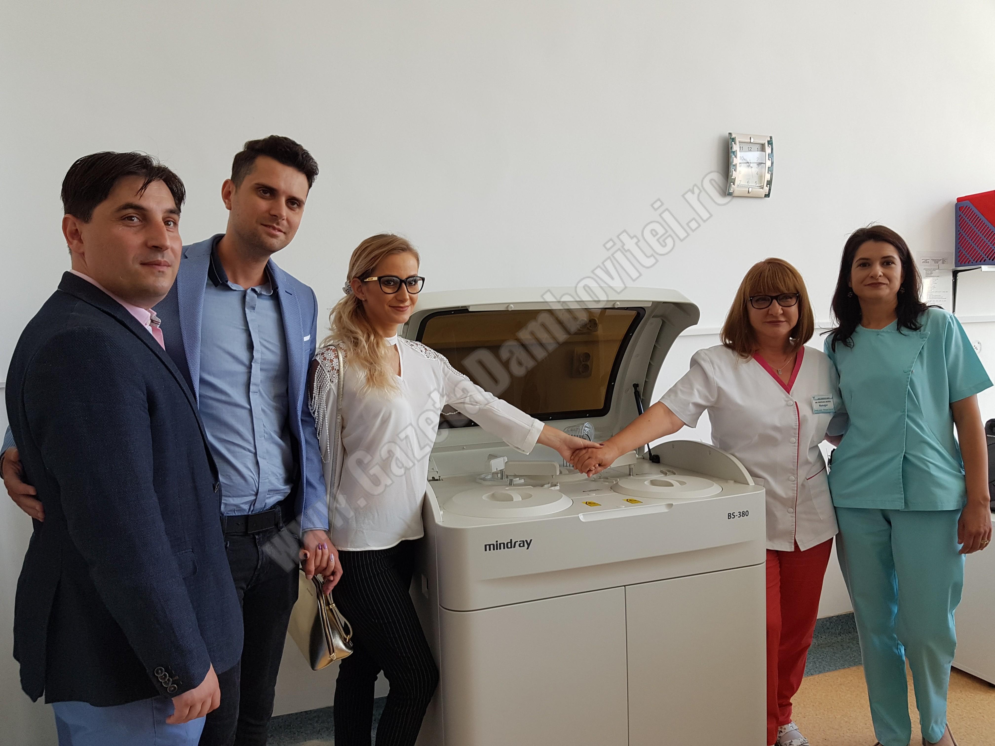 Cosmin Voevodschi și soția lui au donat un aparat de ultima generație pentru Spitalul din Găești