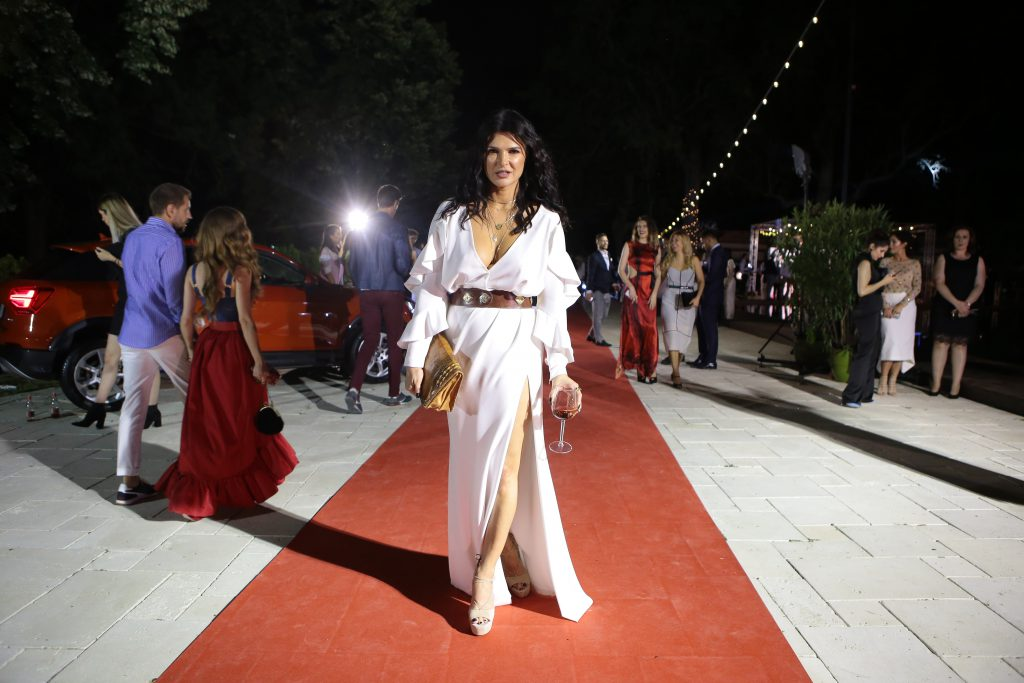Monica Bârlădeanu și-a arătat o altă latură a feminității