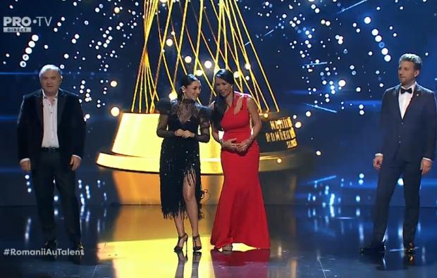 Andra și Mihaela Rădulescu au impresionat cu ținutele lor, în a treia semifinală. Juriul Românii au Talent, de la stânga la dreapta: Florin Călinescu, Andra, Mihaela Rădulescu și Andi Moisescu