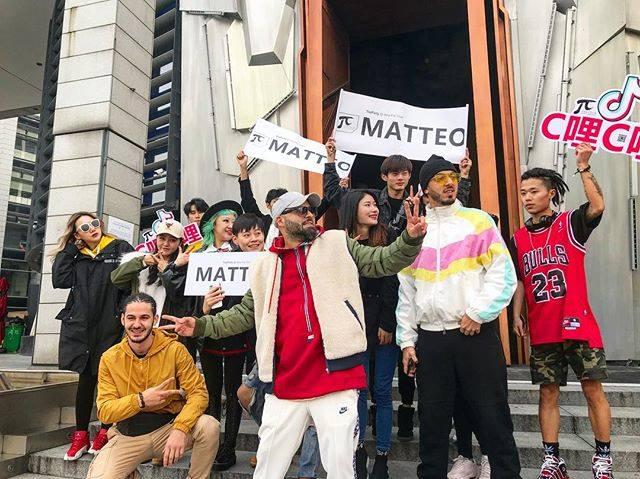 Matteo i-a învățat pe asiatici să cânte în limba română