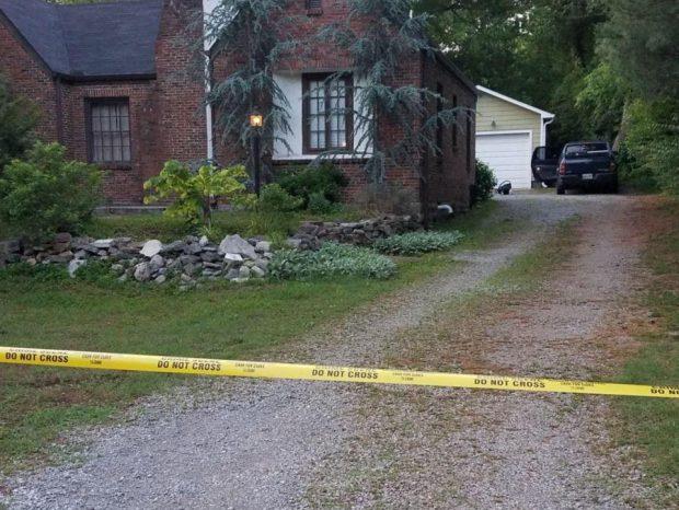 Mașina în care a fost găsită fetița (foto Twitter -Poliția din Nashville)
