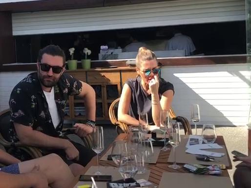 Smiley și Gina Pistol, la o terasă din Mamaia
